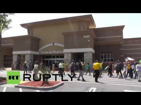 USA: Fired Walmart Employees Protest 2,200 Layoffs