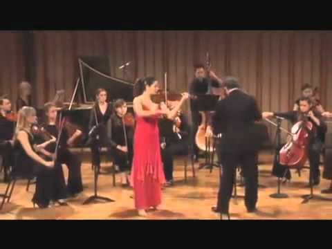 Lindsay Deutsch plays Verano Porteno by Astor Piazzolla