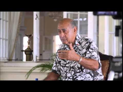 Vodafone Flying Fijians team present itautau to President Ratu Epeli Nailatikau