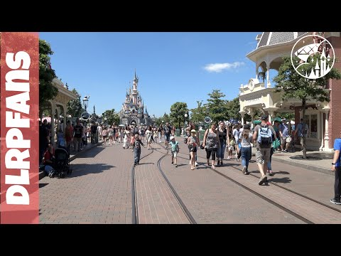 A hot and busy day at Disneyland Paris