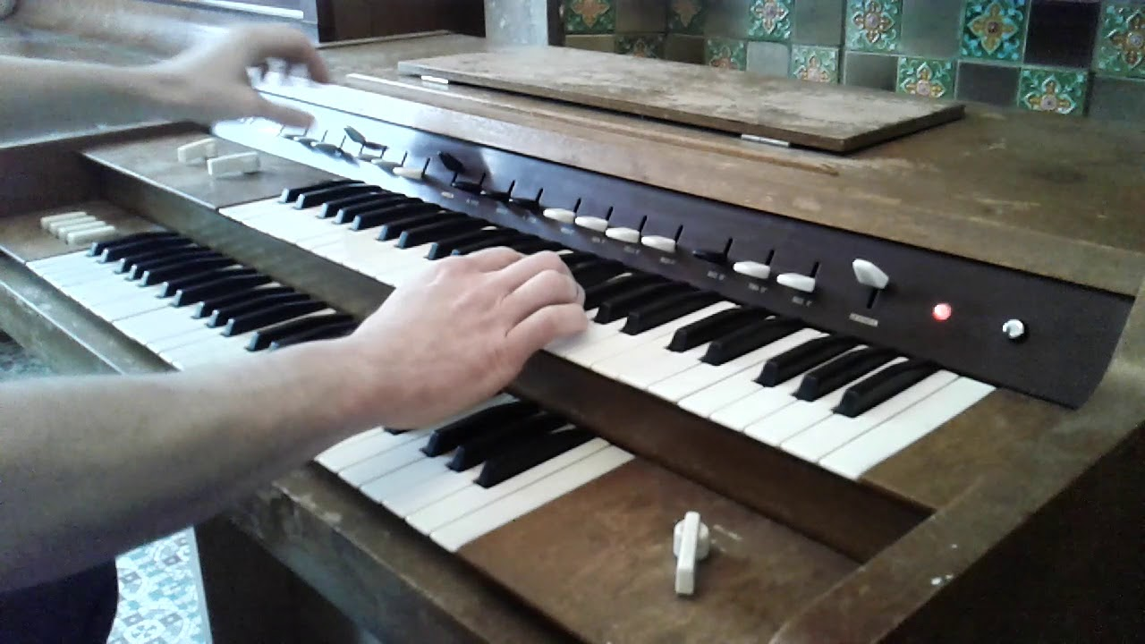 Yamaha Electone D2 Organ To Give Gone Orgue Yamaha Electone D2 A Donner Youtube
