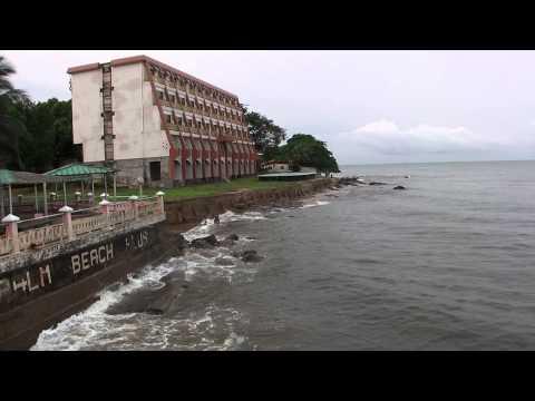 Praia do Hotel em Kribi (Camarões)