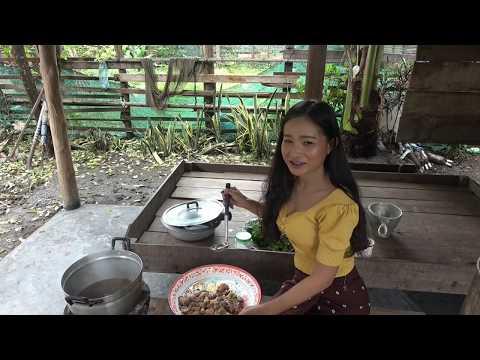 ແກງນ້ອງງົວ // แกงน้องวัว // Laos Food - Cow Placenta Soup#Khouan Xai