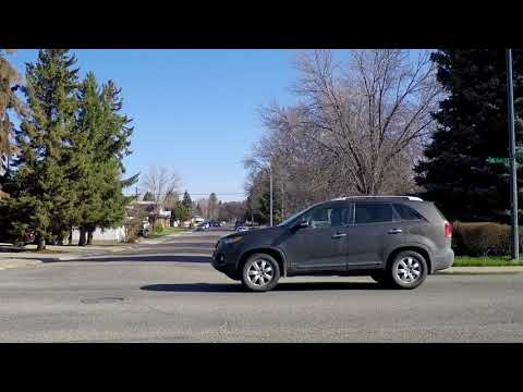 Lethbridge Alberta Canada - Driving Tour in City/Town - Life/Houses/Homes