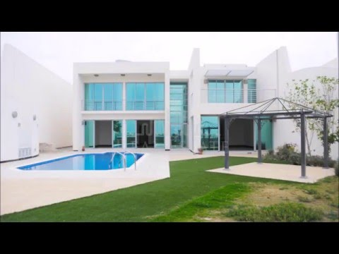 Luxury Beachfront Villa in Durrat Al Bahrain