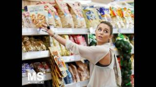 Miley Cyrus Grocery shopping ( October 22 , 2011 )