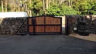 Automatic Cantilever Sliding Gate (opening)
