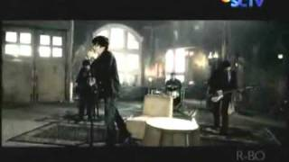 Video Clip Ada Band - Sendiri (Gista Putri)