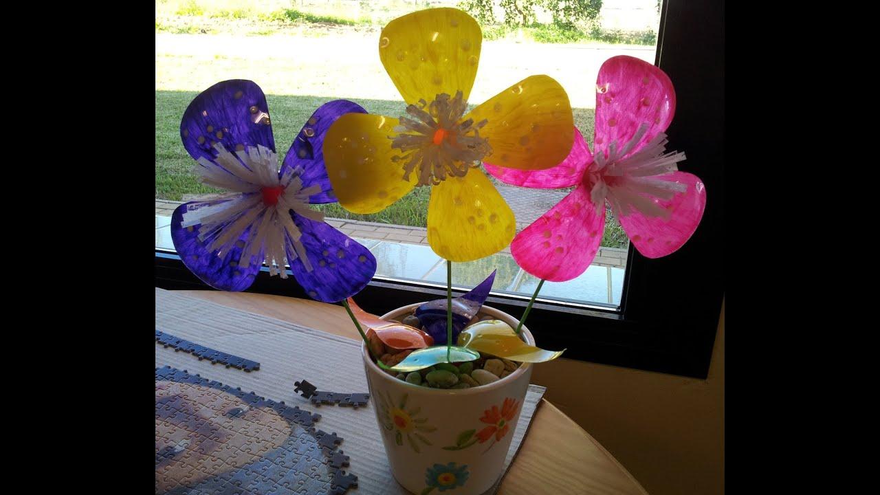 Flores con botellas de pl stico en 10 youtube - Como pintar botellas de plastico ...