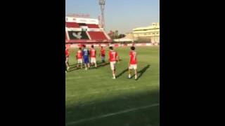 رئيس النادي الأهلي يشيد بـ«مارتن يول» خلال تواجده بالقلعة الحمراء.. «فيديو»