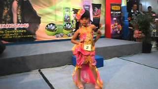 Heboh Rancangan Batik Modern Fashion Show Anak