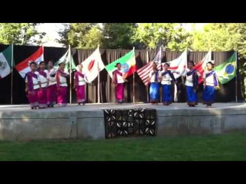Laos dance at pacific college