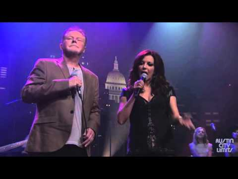 "Don Henley & Martina McBride  ""That Old Flame"""