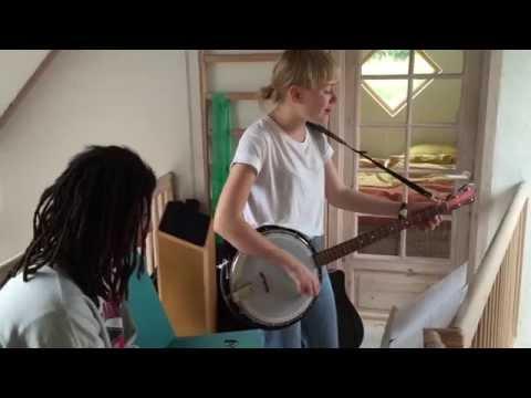 Sang og musik for Red Barnet.