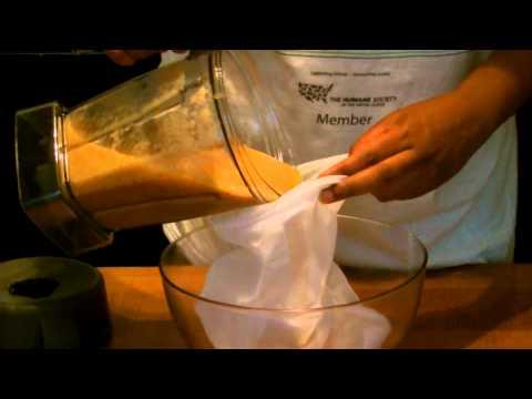 Vitamix Recipes - Pure Homemade Apple Juice (100% Organic)