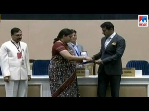 ബഹിഷ്കരണ വിവാദത്തിനിടെ ഡല്ഹിയില് ചലച്ചിത്ര അവാര്ഡ് വിതരണം   National Film Award