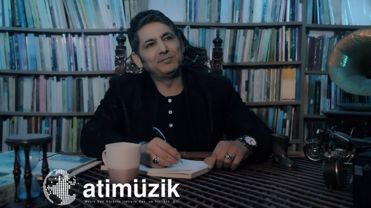 Murat İnce - Liselim / Ali Ayşe'yi Seviyor [ © Official Video ] ✔️