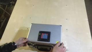 Устройство для квеста в реальности: чемоданчик с кодовым замком(Чемодан с кодовой панелью, при вводе правильного кода открывается замок. С аккумулятором, зарядное устройс..., 2016-06-10T17:58:35.000Z)