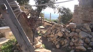 Au Castellas de BEAUMES DE VENISE construction d'une nouvelle cabane