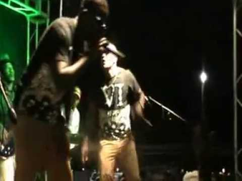 T Bozz & Staika Live performance ''!Hoab !na ta ma''