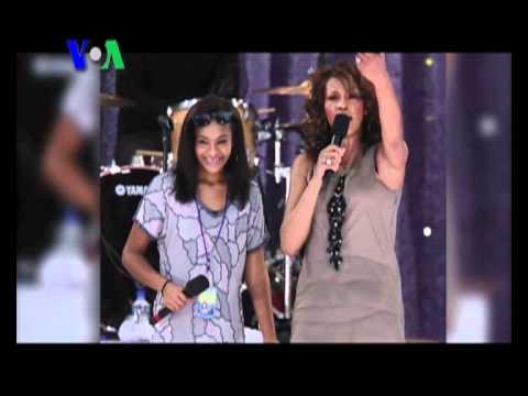 Surat Wasiat Whitney Houston dan Buku Ibunda Justin Bieber - Liputan Pop Culture VOA Maret 2012