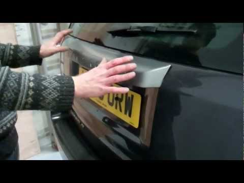 How to remove the rear handle on Land Rover Freelander 2 / LR2