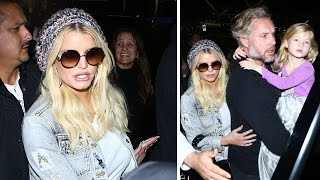 Stylish Jessica Simpson At LAX With Hubby Eric Johnson And Daughter Maxwell