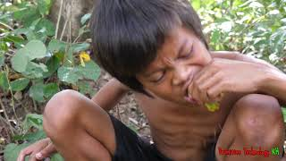 Primitive Technology - Eating delicious - Smart boy cooking fish