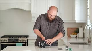 How to Load Film, Sh๐ot and Unload Film In a Rolleiflex TLR Camera