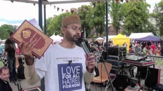 Ahmadiyya Muslims at Leamington Peace Festival 2011