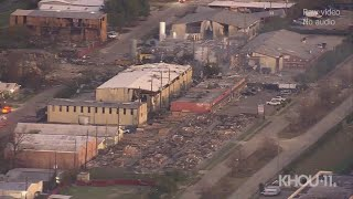 Gambar cover Houston explosion: Daylight look at the aftermath where buildings were leveled early Friday