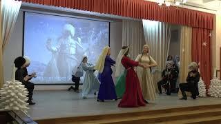 Русские школьники танцуют Зажигательный  Армянский танец Russian students dancing Armenian dance