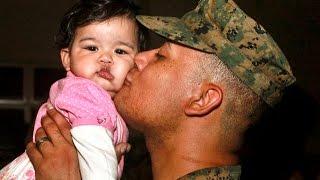 Солдаты увидели своих маленьких детей в первый раз