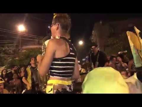 Minor Mishap at Honk Rio 2017 - Largo das Neves