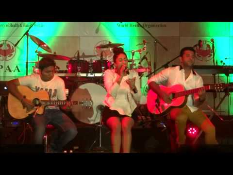 Neha Bhasin performing TERA MERA Live