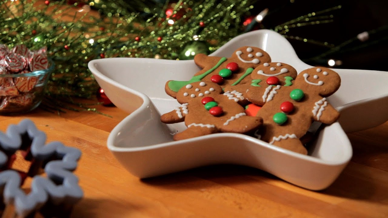 How To Decorate Gingerbread Men Christmas Cookies Youtube