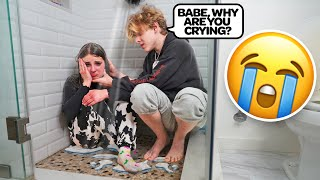 CRYING IN THE SHOWER FULLY CLOTHED PRANK ON MY BOYFRIEND!! **Cutest Reaction**🚿😭| Piper Rockelle