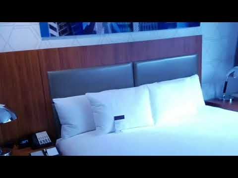 Hilton DoubleTree Metropolitan NYC King Suite Hotel Room Tour - Room 1934 - May 2017