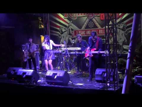 Queen & Jacks - Terlalu Cepat (Live @RScafeINA)