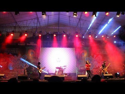 Seperti Para Koruptor (Live Performance)