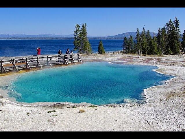 West Thumb Geyser Basin - Yellowstone National