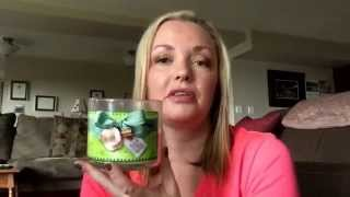 Bath & Body Works Candle Review: Holiday Apple Crisp. Throw Back Thursday!