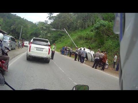 20 mobil crash di silungkang sumatra barat komplikasi video pulang kampung to sijunjung youtube. Black Bedroom Furniture Sets. Home Design Ideas