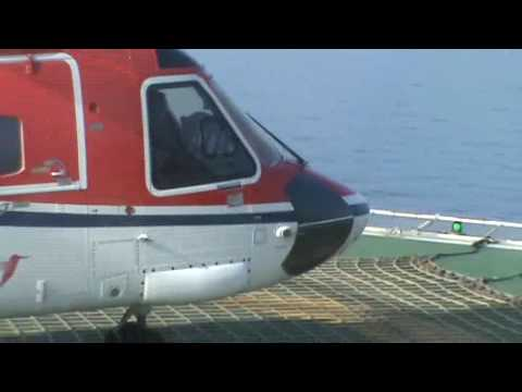 CHC Sikorsky S-92 helicopter landing on Ensco 71 drilling rig ...