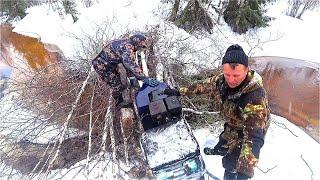 Экстремальная рыбалка на хариуса в дикой тайге. Последний лёд. Таёжное путешествие.