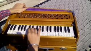 Mera piya ghar aaya(Nusrat fateh ali khan) on Harmonium