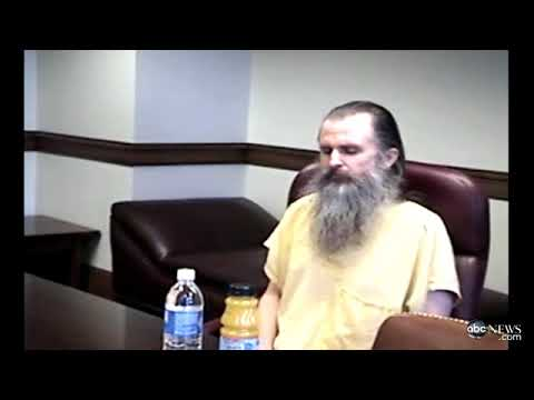 """The crazy kidnapper ofElizabeth smart -""""Brian david Mitchell singing loud at his trail."""