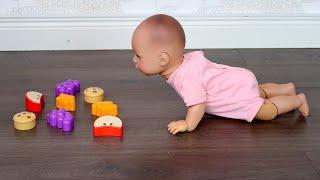 Беби Анабель Не Хочет Ходить Как Мама Занималась с Куклой Мультик для детей 108мама тиви