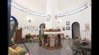 видео Квартира с бассеином на берегу моря на юге Италии