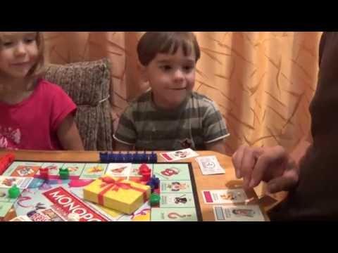 МОНОПОЛИЯ - Папа играет с детьми в монополию game play monopoly